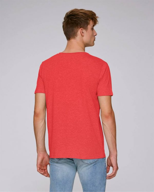 camiseta roja de rayas