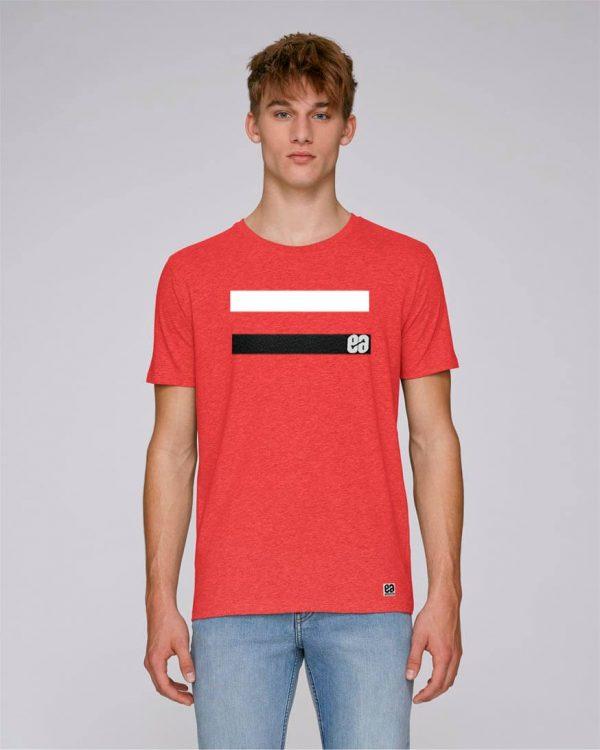 camiseta roja con rayas